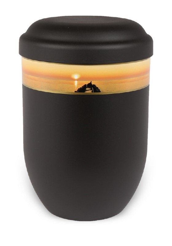 ecologische urn zwart met zonsondergang