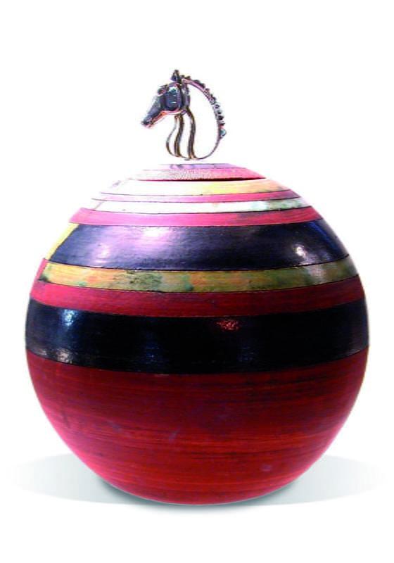 paarden urn met beeldje van paardenhoofd