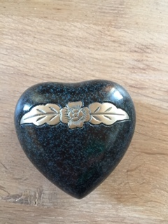 mini urn hart SALE groen zwart gewolkt