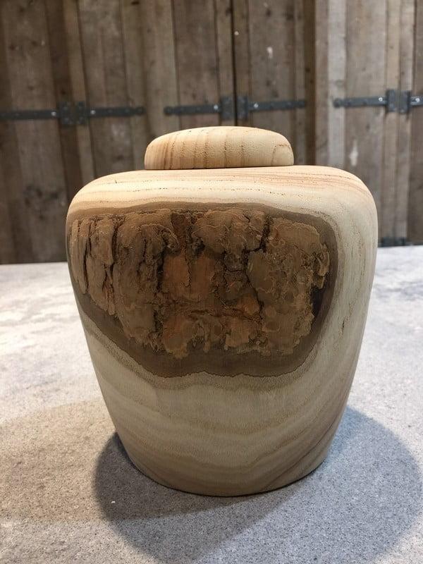 Houten natuur urn walnoot medium