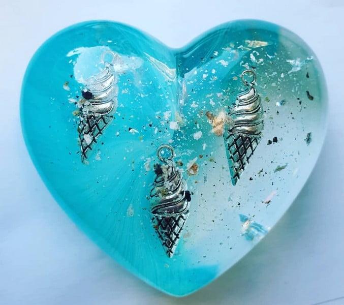 urn hart little heart met gedenkobject