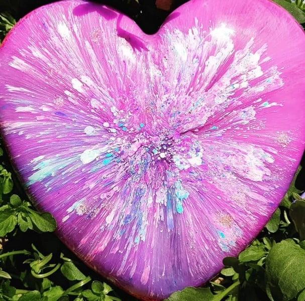 urn hart little heart met kleurexplosie