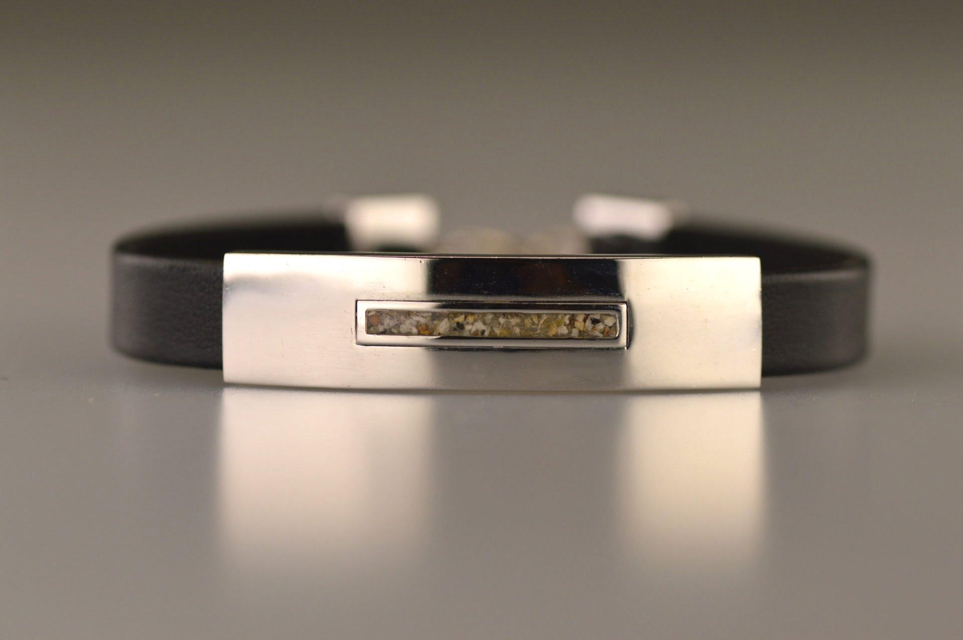 armband gedenksieraad met lederen bandje BG 009