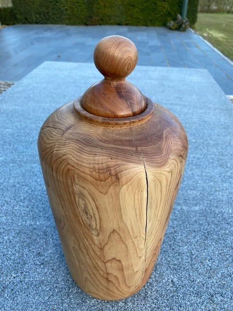Taxus donkere natuur urn hout XL
