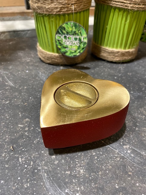 mini urn hart rood met gouden bies